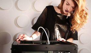 Designerin Snezhana und ihr 3D-Drucker