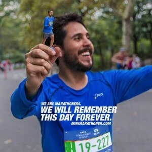 Marathonläufer mit 3D-Selfie