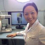 Dr. Julielynn Wong mit 3D-Drucker