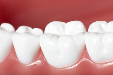 Weißer Zahn