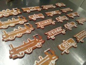 Weihnachtsplätzchen als Lokomotive
