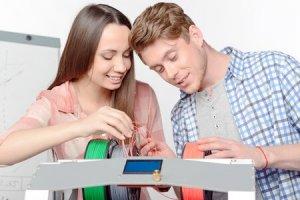 Schüler und 3D-Drucker
