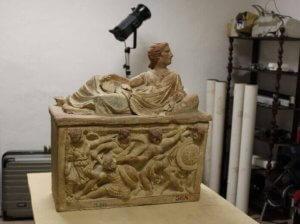 Kunstobejekt und 3D-Scanner