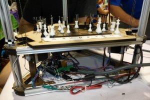 3D-Drucker und Schachroboter