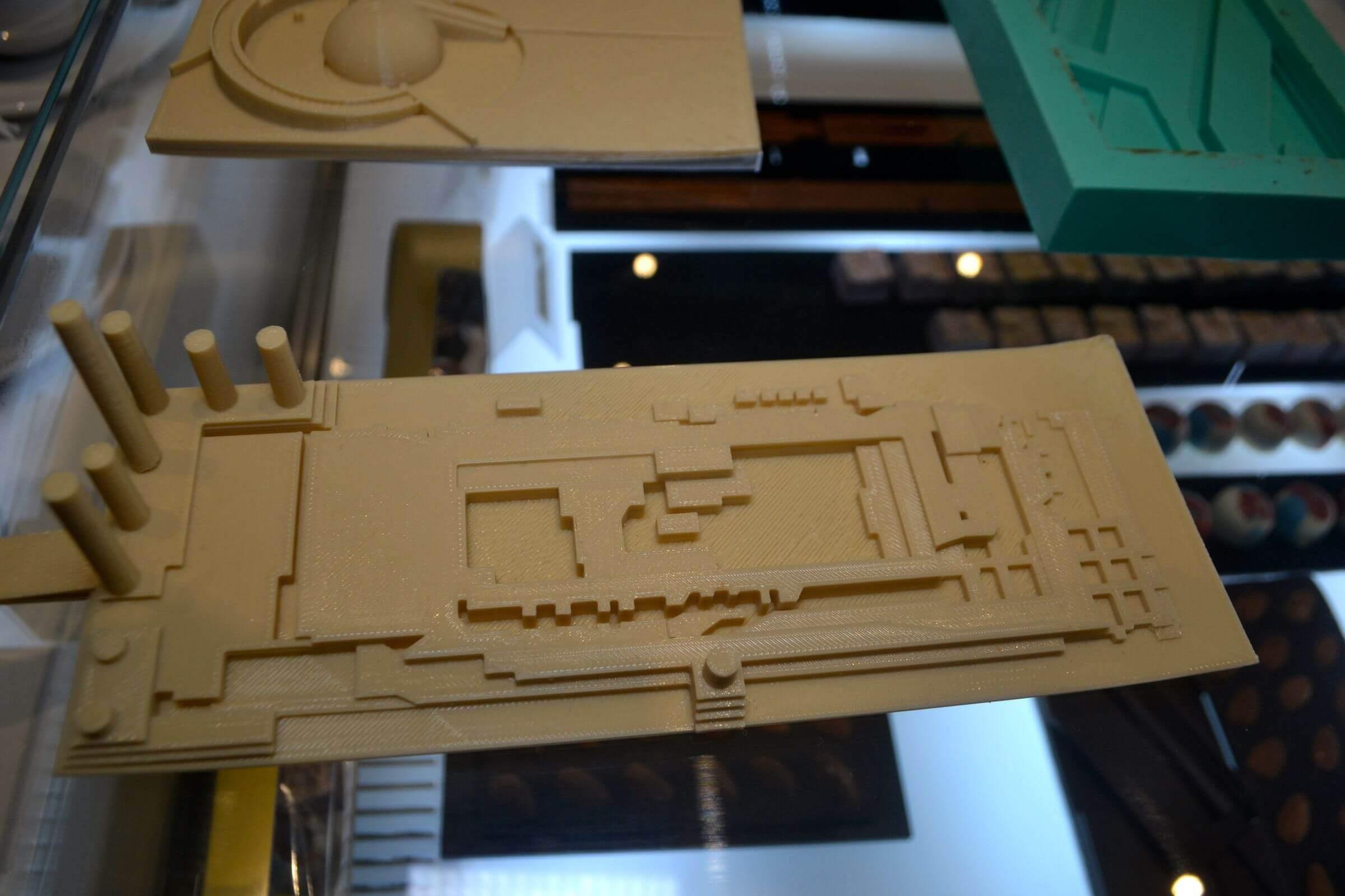 Zaharatos  macht aus alten Kundenprojekten architektonische Schokoladenstücke (Bild © qns.com)