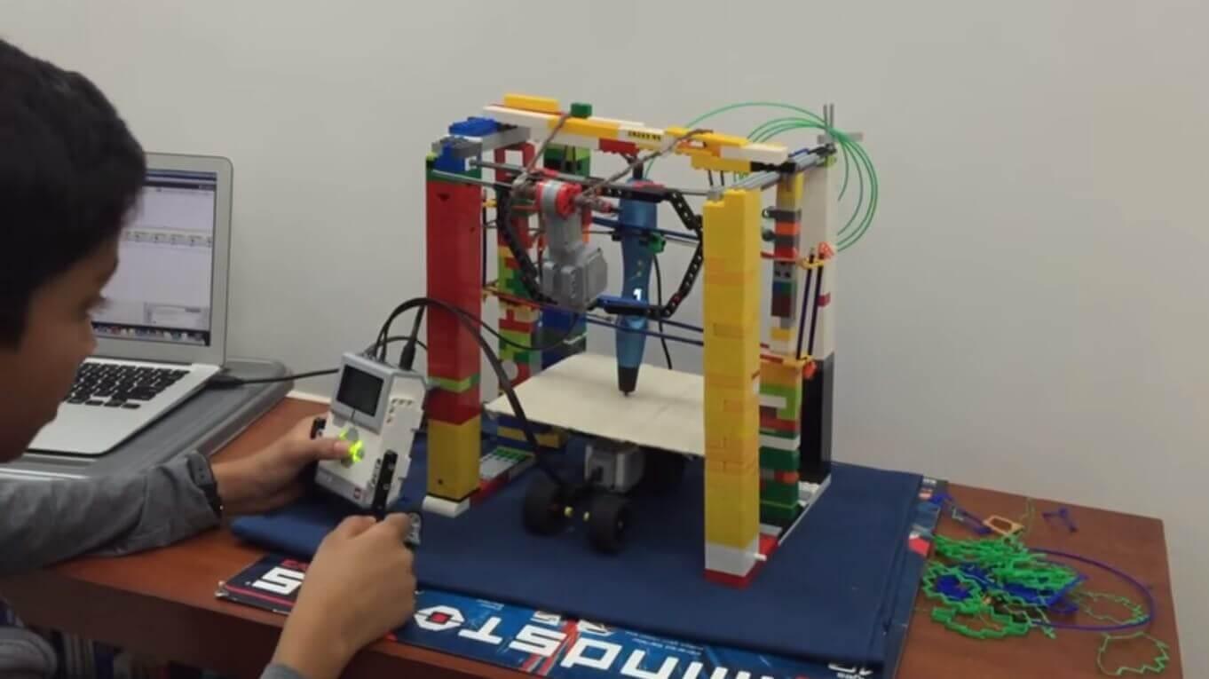 12-jähriger baut 3d-drucker aus lego-bausteinen