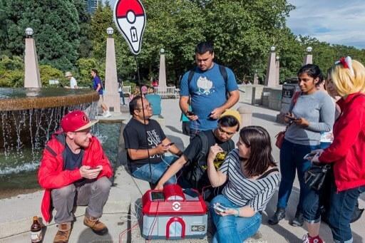 Pokémon Go Ladegerät selber bauen: Hobby-Maker Spencer Ken zeigt wie es geht und fertigte eine mobile Ladestation für Smartphones (Bild © Spencer Ken).