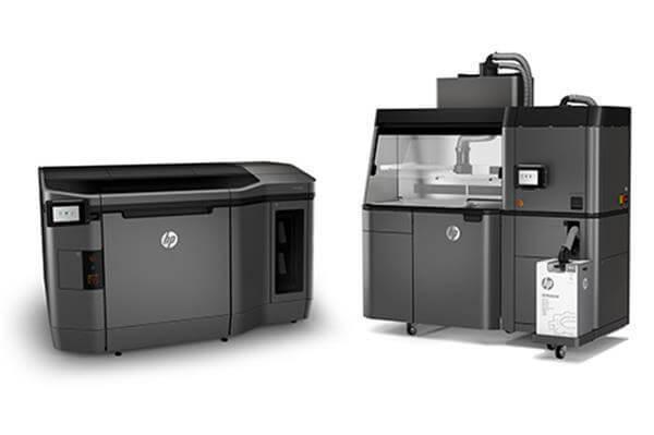 Dieser 3D-Printer wurde während der Feierlichkeiten den Gästen präsentiert. (Foto: © 3ders.org)