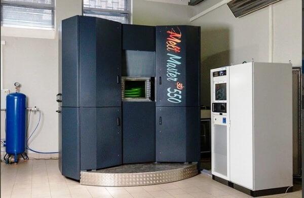 """ROSATOM stellte seinen ersten 3D-Metalldrucker """"MeltMaster-3D-550"""" für die Atomindustrie vor"""