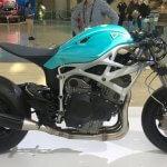 Bild des Dagger-Motorrads mit Rahmen aus 3D-Drucker