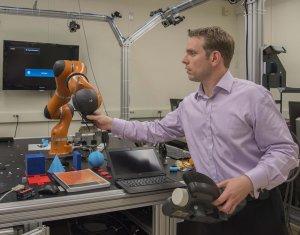 Fertigung mit Roboter
