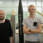 Forscher mit gedruckten Raketen.