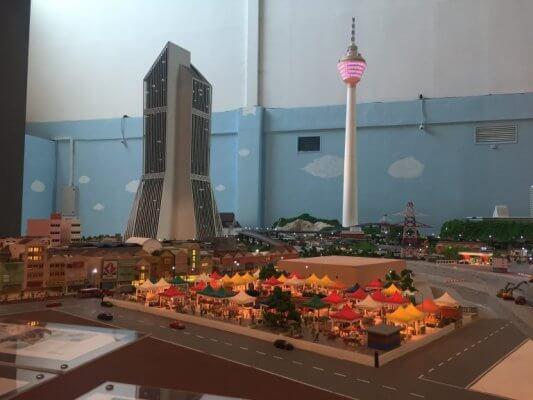3D-gedruckte Silhouette Kuala Lumpurs.