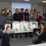 Schülerinnen mit 3D-Druckern