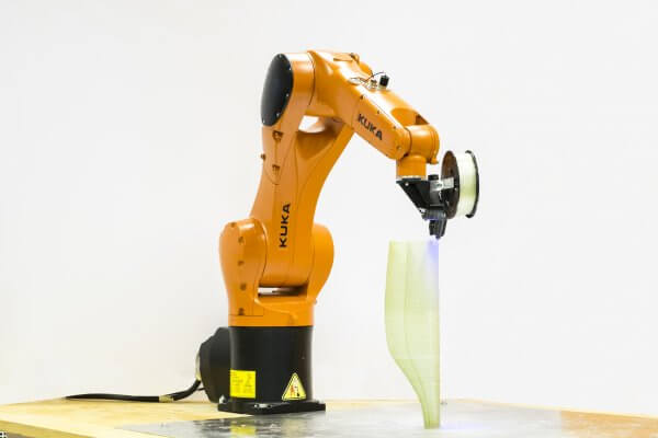 KUKA Roboterarm.