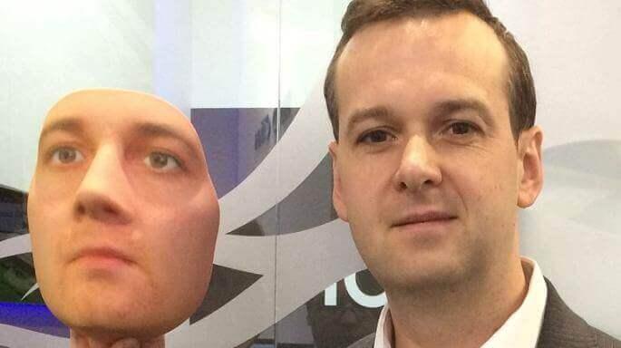 Matt Lewis mit seiner Maske.