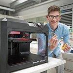 Marco Savignano mit 3D-Drucker