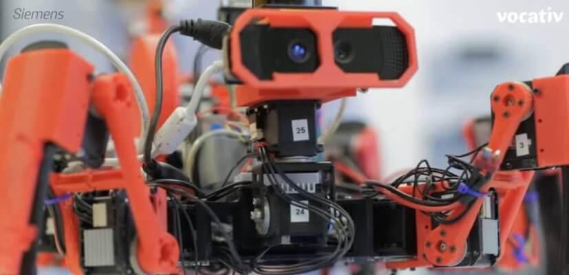 "Roboterspinne ""SiSpis"" aus 3D-Drucker"