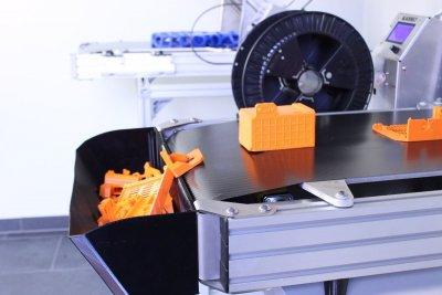 3D-Drucker mit Auffangbehälter