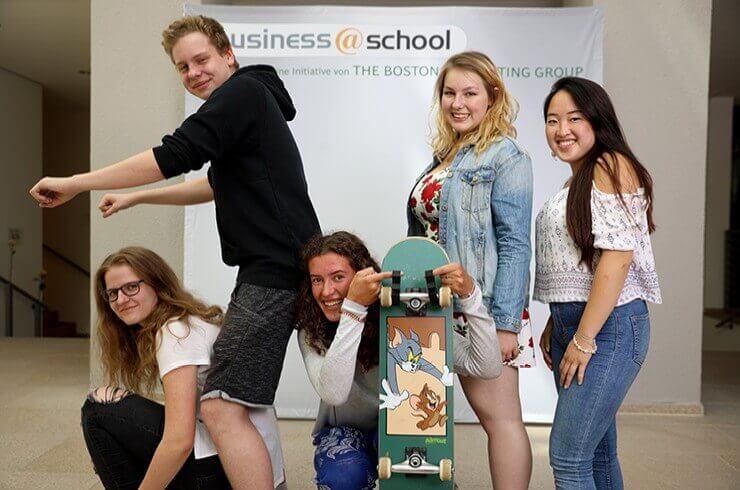 Schülerfirma verwendet 3D-Drucker und gewinnt ersten Platz beim business@school Schülerwettbewerb