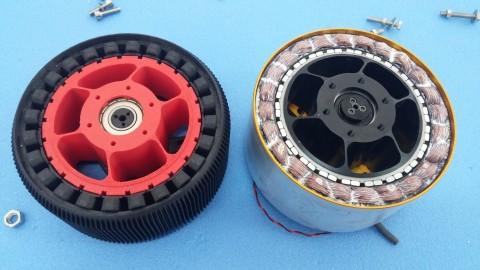 Vergleich 3D-gedruckter Motor mit Endmotor.