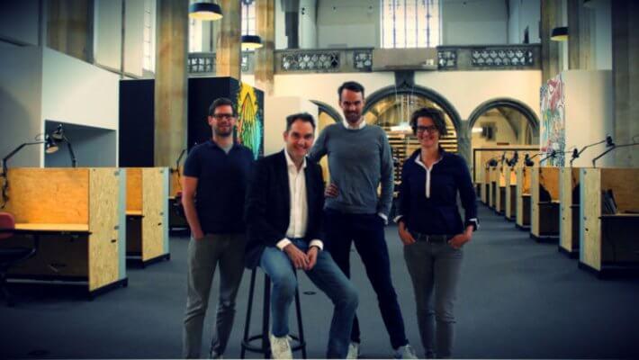 Start-up Unternehmer in umgebauter St. Elisabeth Kirche Aachen