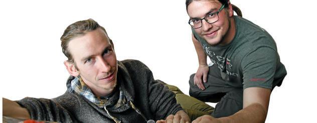 Tom Greiner-Perth und Jens Westhäuser präsentieren 3D-gedruckte Klettersteine.