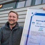 AMtopus Prof. Zeidler mit Umweltpreis Urkunde