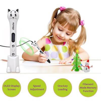 Mädchen mit Dikale 3D Stift und fertigen Objekten.