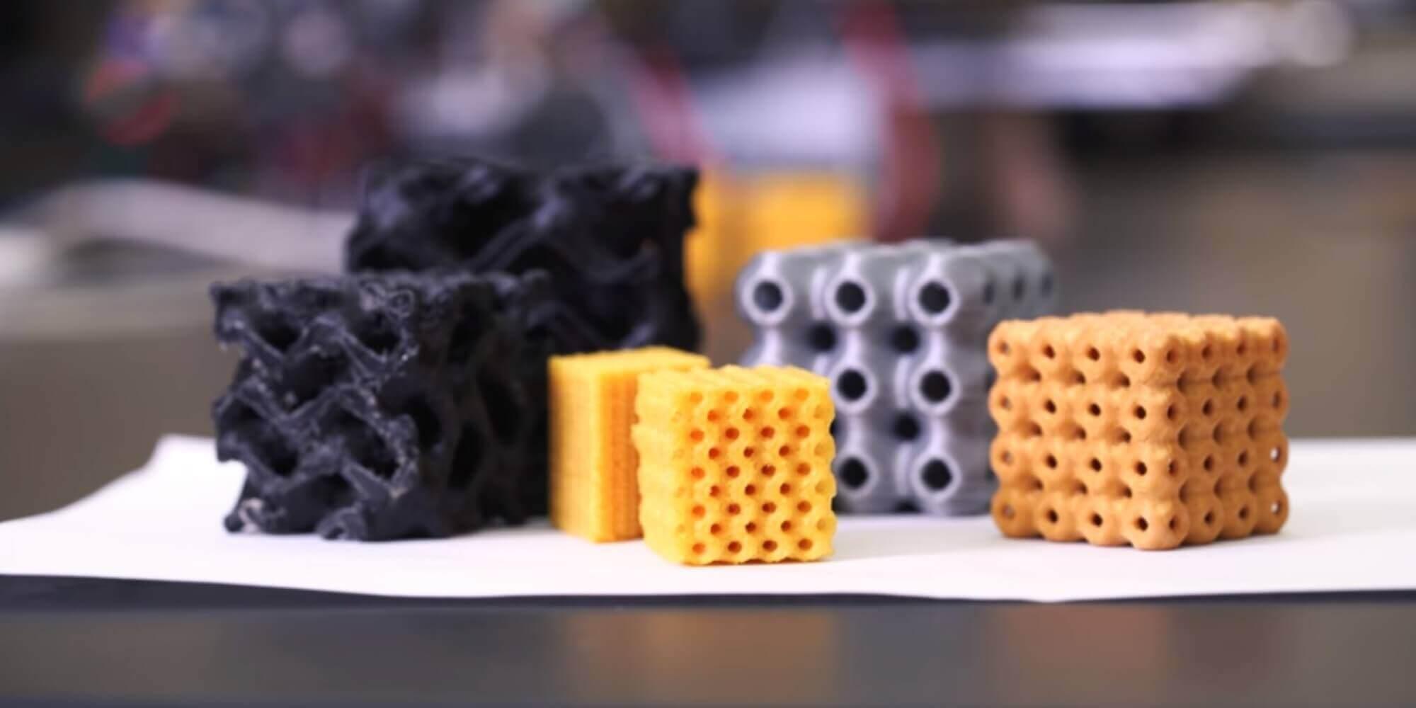Forscher verwandeln jahrhundertealte Theorie per 3D-Druck in Schwarzite