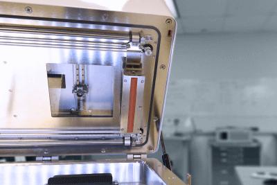 Teilansicht des Xact Metal XM300 3D-Druckers.