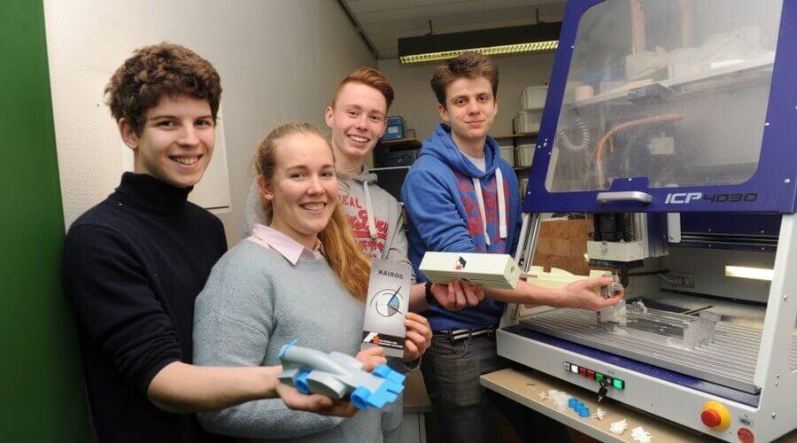 Schüler des Alexander-von-Humboldt Gymnasiums bauen mit 3D-Drucker Miniatur-Rennwagen