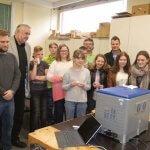 Schüler mit dem 3D-Drucker