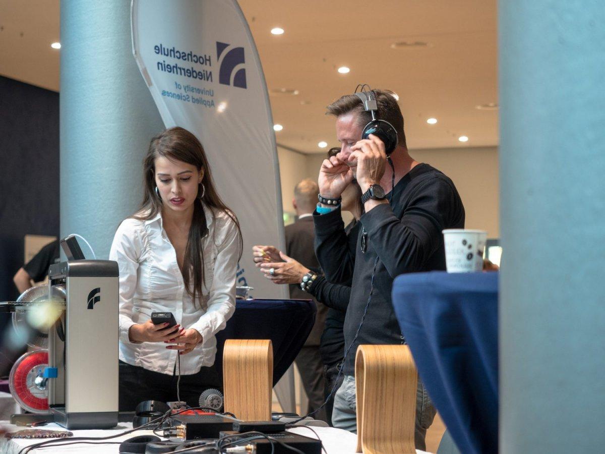 3d-gedruckte Kopfhörer auf der Audiovista 2018 an der Hochschule Niederrhein