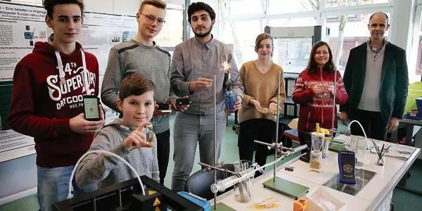 Mehrere Plätze für Schüler des Gymnasiums Bad Zwischenahn am Jugend Forscht Wettbewerb