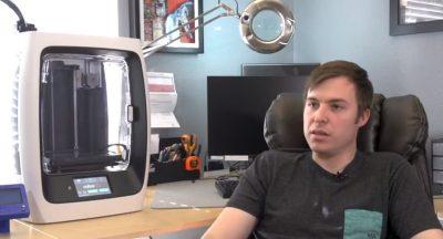 3D-Druck im Büro eines Motorradherstellers