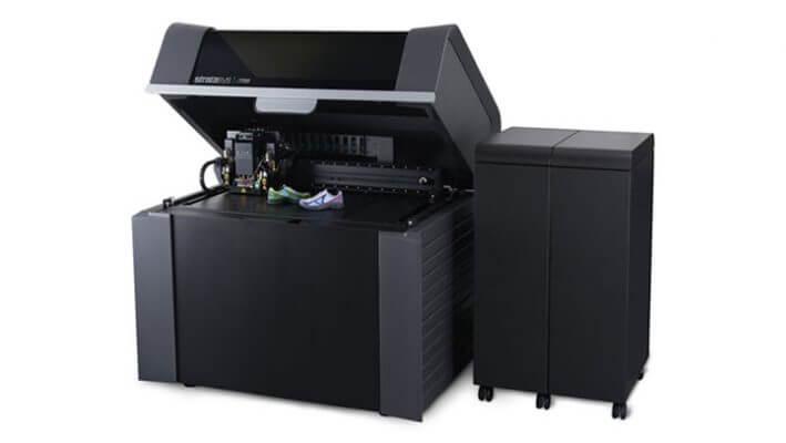 Bild eines Multimaterial-Vollfarb-3D-Drucker J750
