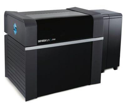 Drucke entstehen mit Stratays J750 Drucker