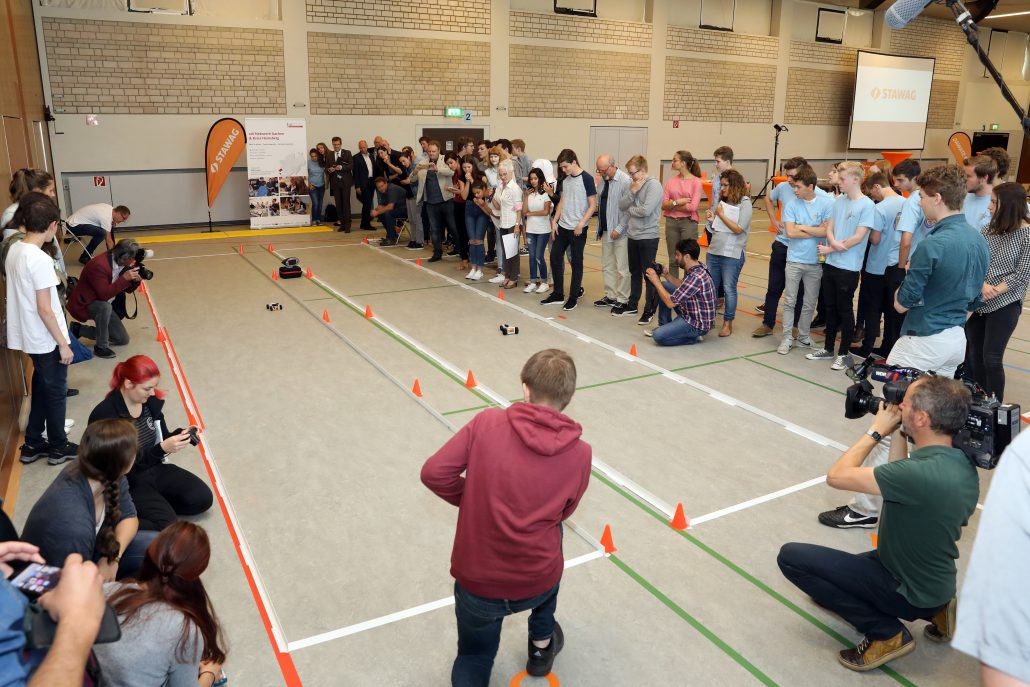 STAWAG Schulwettbewerb lässt Schüler Elektroautos mit 3D-Drucker entwickeln