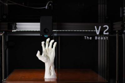 Abbildung 3D-gedruckte Handprothese, gedruckt mit The Beast V2