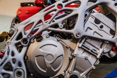 Weitere Ansicht des 3D-gedruckten Motorradrahmens