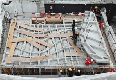 Ansicht Mitarbeiter am Bau