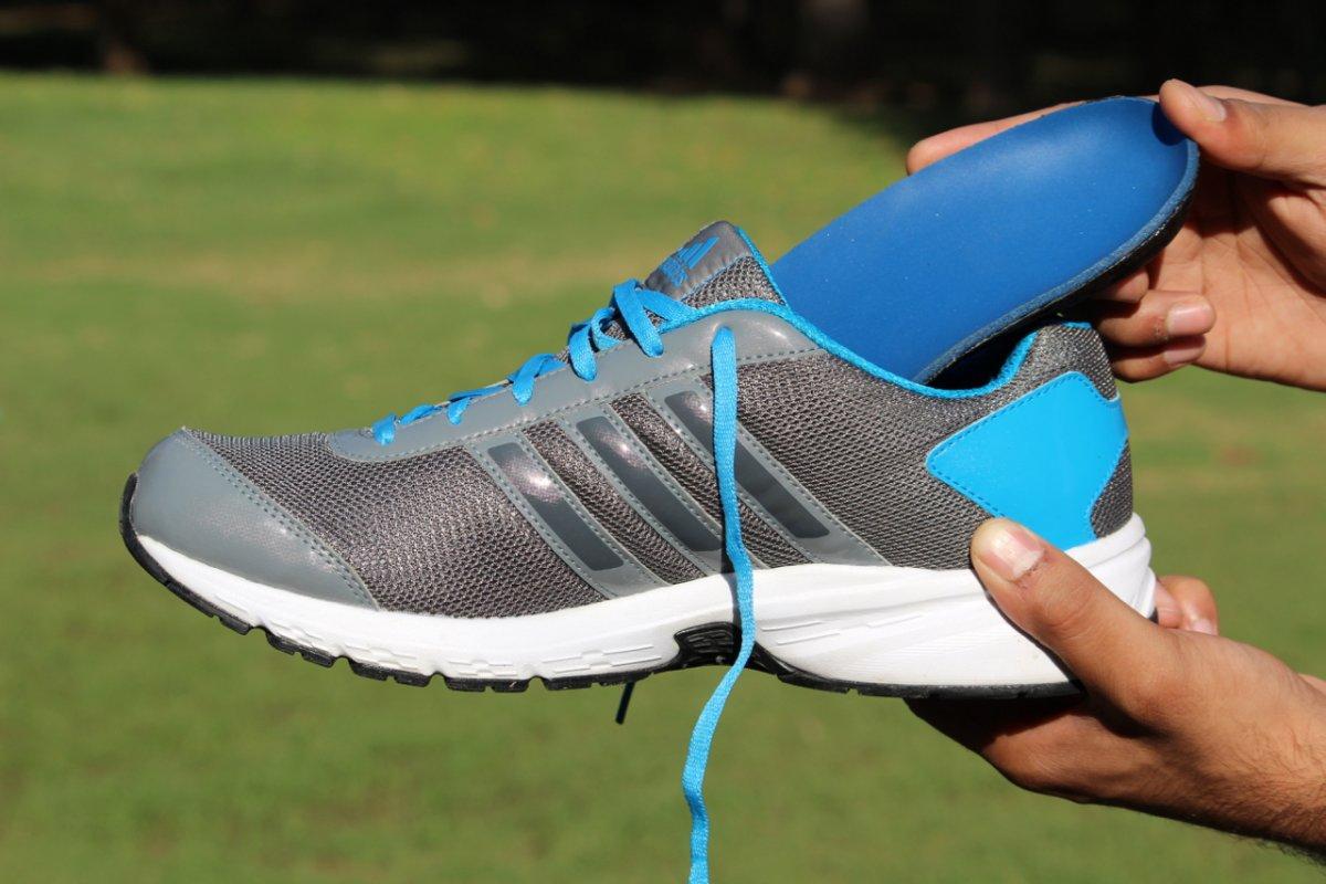 Indisches Startup ShapeCrunch bietet App für maßgefertigte Schuheinlagen aus 3D-Drucker