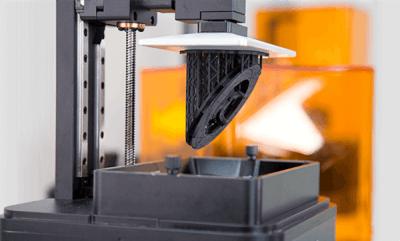 Zortrax Inkspire mit einem 3D-Druckobjekt