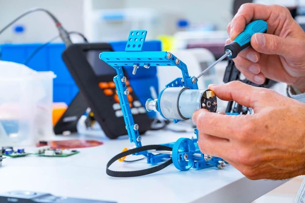 Roboter bauen im Makerspace