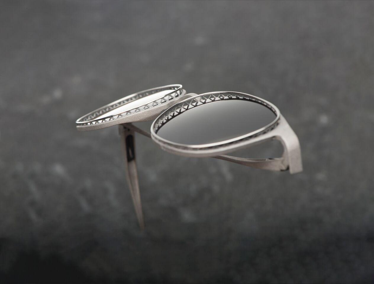 Modell einer Sonnenbrille aus der Kollektion