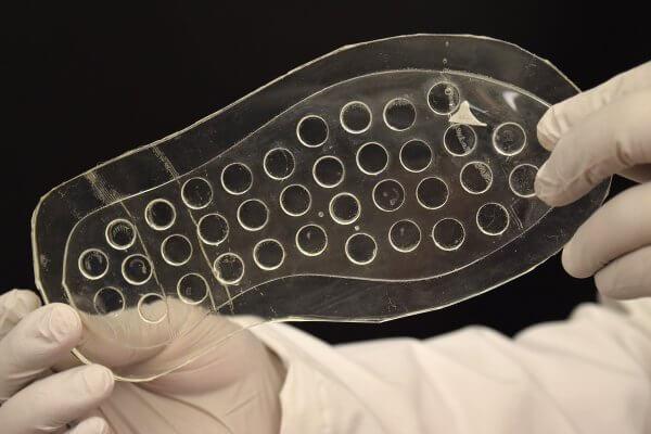 Forscher mit Schuhsohle