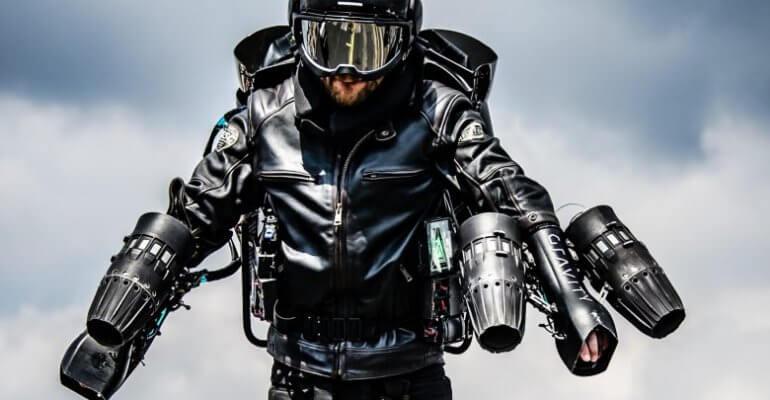 Frontaufnahme eines Mannes im Jet Suit