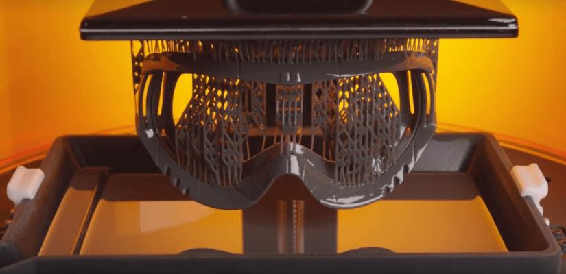 Der NP1-3D-Drucker von NewPro 3D mit einem Druckobjekt