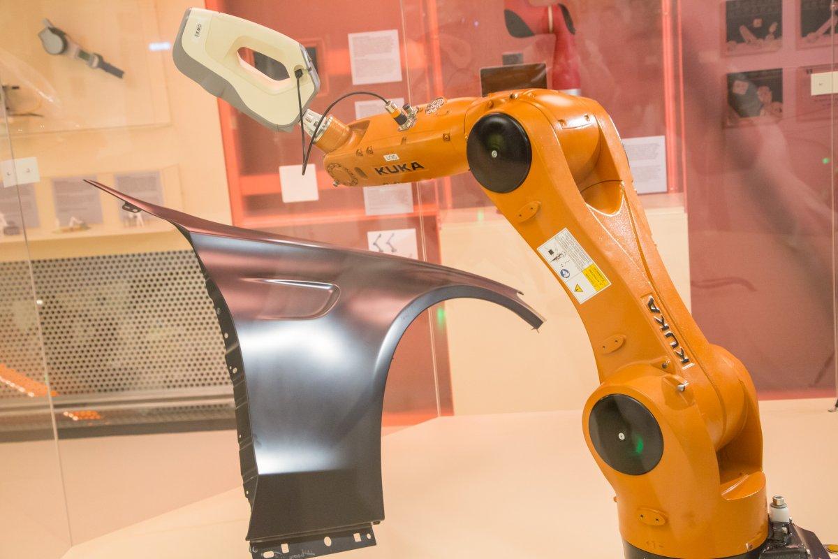3D-Scanner und Roboterarme im Technischen Museum Wien zu den Themen Industrie 4.0 und Digitalisierung ausgestellt